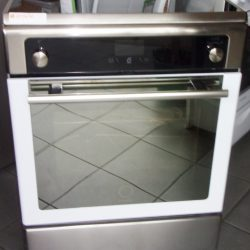 CUISINIÈRE INDUCTION WHIRLPOOL
