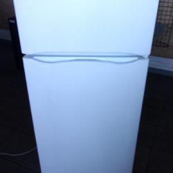 Réfrigérateur Double Froid INDESIT 225L