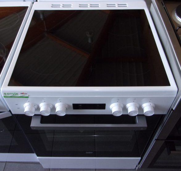 Cuisinière électrique 4 Feu Radiants BEKO
