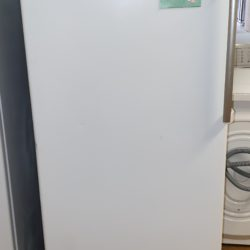 Réfrigérateur Simple Froid 320L WHIRLPOOL