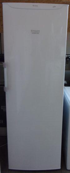 Congélateur armoire HOTPOINT 220L